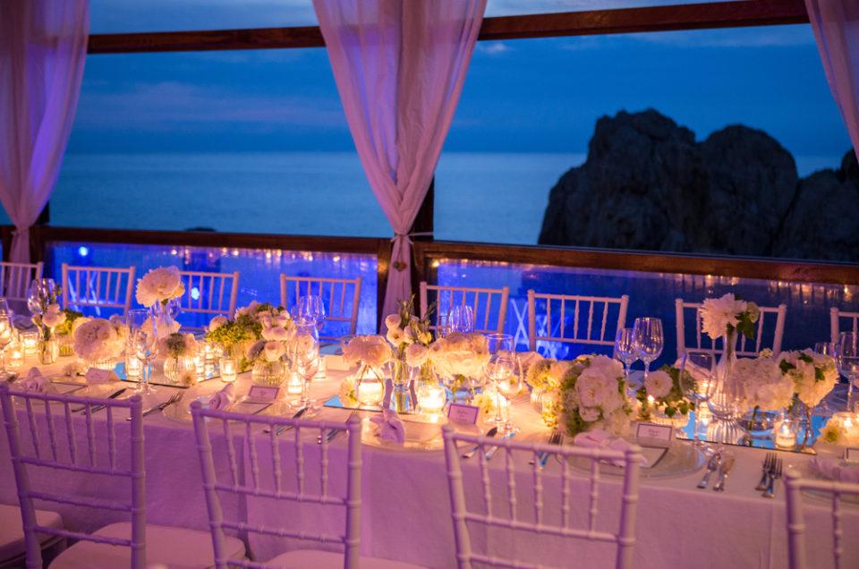 [:en]Perché sposarsi a Capri? Ecco un sogno che si realizza[:]